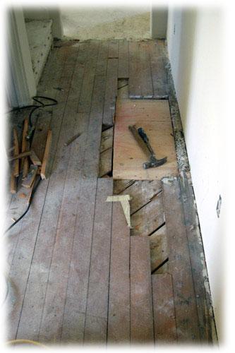 I stará dřevěná podlaha může získat svoji původní krásu